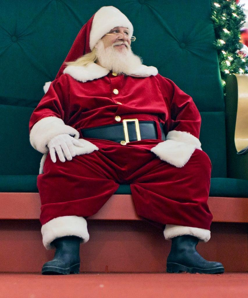 SOUTH PORTLAND, ME – NOVEMBER 23: On the Job: Santa Claus at the Maine Mall. (Photo by Ben McCanna/Portland Portland Press Herald via Getty Images)