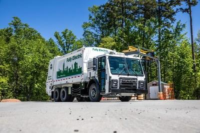 Mack Trucks today announced plans to commercialize the revolutionary Mack® LR Electric refuse model powered by a fully electric integrated Mack drivetrain. Orders for the Mack LR Electric will open in Q4 2020, with deliveries beginning in 2021.