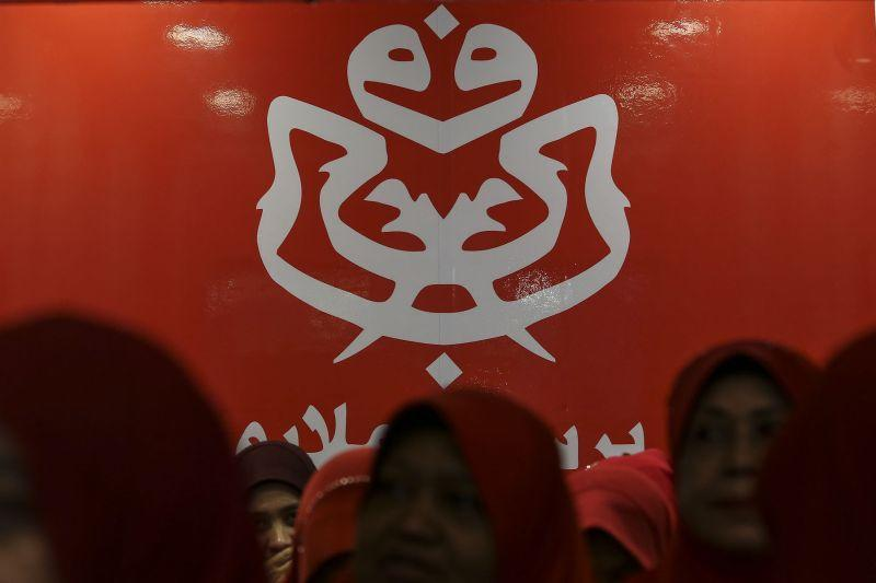 A majority of 13 Penang Umno divisions have refused to work with Bersatu for the upcoming GE15. ― Picture by Yusof Mat Isa
