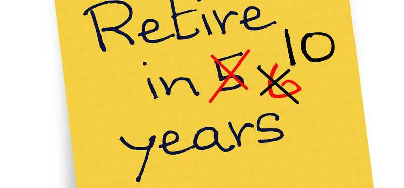 A yellow post it that says retire in 5, 6, 10 years.