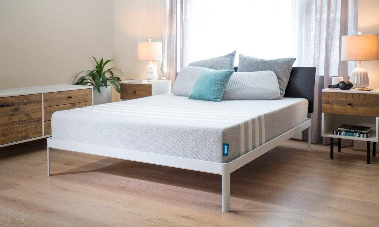 "The Leesa foam mattress is one of the most comfortable and breathable mattresses on this list. The foam keeps the spine aligned and in place while you sleep, providing unparalleled support.And yes, they too are having a great sale this President's Day weekend where you can snag your first mattress up to $400 off. $999, Leesa. <a href=""https://www.leesa.com/products/leesa-mattress"">Get it now!</a>"