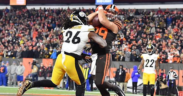 Pro Football Focus delivers plenty of bad, but also some good, after the Steelers loss in Week 11