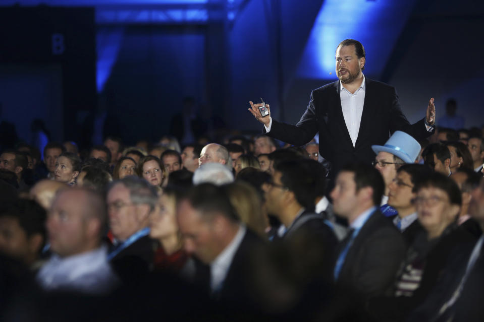 Salesforce.com CEO Marc Benioff delivers his keynote address at the company's annual Dreamforce event in San Francisco, California November 19, 2013. REUTERS/Robert Galbraith  (UNITED STATES - Tags: SCIENCE TECHNOLOGY BUSINESS)