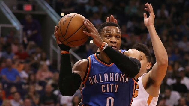 <p>Russell Westbrook let down by teammates, despite making history</p>