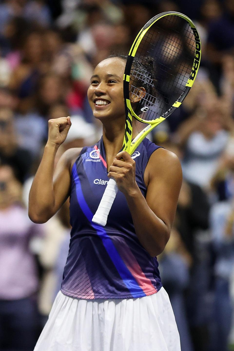 """<p>Born in Montreal, CA, Leylah Fernandez is coached by both <a href=""""http://gousfbulls.com/sports/mens-tennis/roster/romain-deridder/2778"""" class=""""link rapid-noclick-resp"""" rel=""""nofollow noopener"""" target=""""_blank"""" data-ylk=""""slk:Romain Deridder"""">Romain Deridder</a> and her father, Jorge Fernandez, in Boynton Beach, FL, where she lives with her parents and younger sister. According to <strong>ESPN</strong> analyst Rennae Stubbs (<a href=""""http://www.espn.com/tennis/story/_/id/32160952/us-open-2021-leylah-fernandez-not-surprised-memorable-run-quarterfinals"""" class=""""link rapid-noclick-resp"""" rel=""""nofollow noopener"""" target=""""_blank"""" data-ylk=""""slk:who has spoken to the Fernandez family"""">who has spoken to the Fernandez family</a>), Jorge's training style """"has sort of like a military training regimen,"""" which has helped Leylah build confidence in her competitive athletic skills over the years.</p>"""