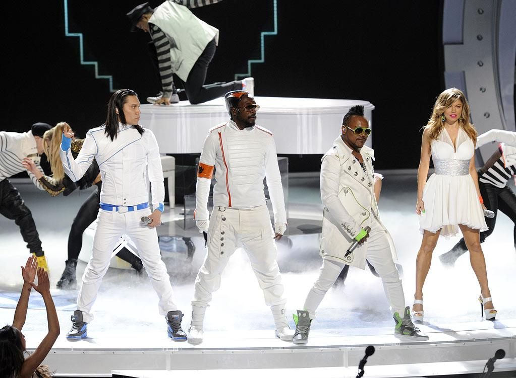 """The Black Eyed Peas perform """"Just Can't Get Enough"""" on """"American Idol."""""""