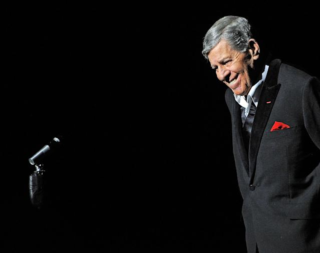 "<p>The famed comedian <a href=""https://www.yahoo.com/entertainment/jerry-lewis-controversial-comic-titan-behind-nutty-professor-mda-telethon-dead-91-180652153.html"" data-ylk=""slk:died at the age of 91;outcm:mb_qualified_link;_E:mb_qualified_link"" class=""link rapid-noclick-resp newsroom-embed-article"">died at the age of 91</a> in his Las Vegas home on Aug. 20. Lewis starred in more than 50 movies, including <em>The Nutty Professor</em>, which he also wrote and directed. The ""King of Comedy"" had a history of heart conditions, and that's what ultimately caused his death. Officially, the cause was listed as ischemic cardiomyopathy. (Photo: Getty Images) </p>"