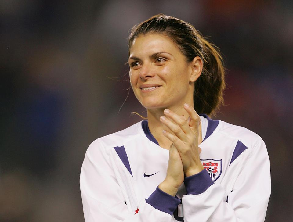 Mia Hamm of the USWNT in 2004