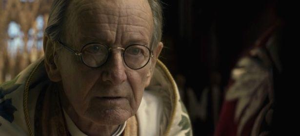 Ronald Pickup as the Archbishop of Canterbury in The Crown