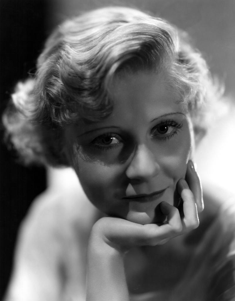 Actress Peg Entwistle died in 1932, but some say she's alive at the Hollywood sign. (Photo: Everett Collection)