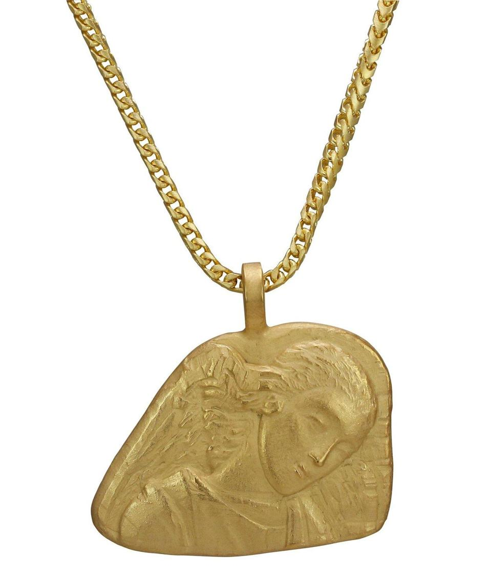 "<p>18k yellow gold, 25″ chain, weight: 76.8g.<br>(Photo: <a href=""https://yeezysupply.com/products/s4005"" rel=""nofollow noopener"" target=""_blank"" data-ylk=""slk:Yeezy Supply"" class=""link rapid-noclick-resp"">Yeezy Supply</a>) </p>"