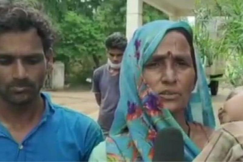 70 MP Policemen Came to Evict Us. We Wanted to Reap Produce First, So They Beat Us: Mother of Guna Victim