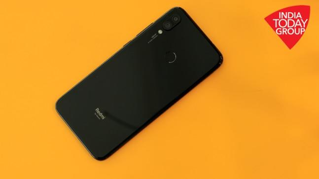 With a host of new launches in the sub-Rs 15,000 segment, the consumer now gets lots of new options with varying features. You can get some very good camera smartphones or ones that can last easily up to two days on a single charge.