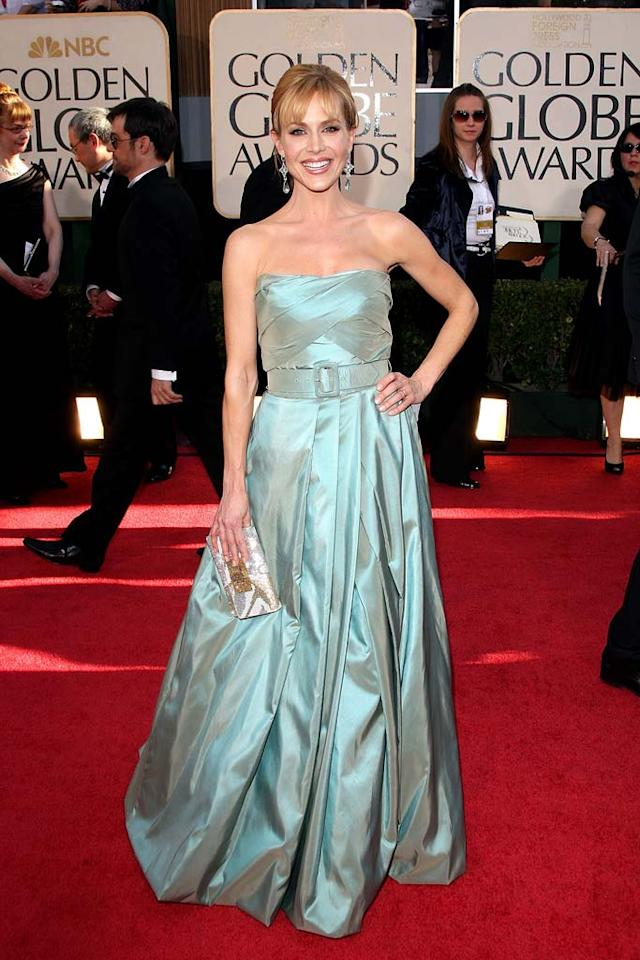 """Julie Benz's chintzy sea foam frock flopped at the celeb-infused fete. Jason Merritt/<a href=""""http://www.gettyimages.com/"""" target=""""new"""">GettyImages.com</a> - January 11, 2009"""