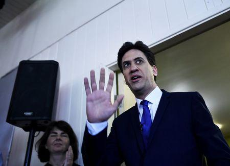 Britain's opposition Labour Party leader Ed Miliband arrives for the launch of their Manifesto for Young People at Bishop Grosseteste University in Lincoln, central England April 17, 2015. REUTERS/Dylan Martinez