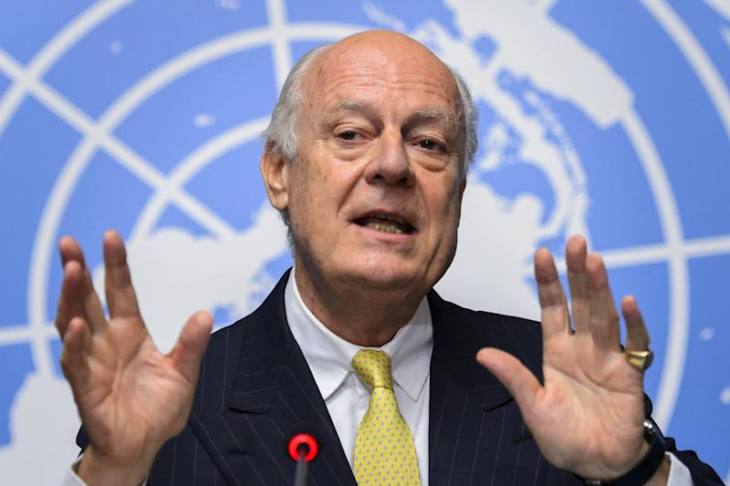 United Nations special envoy for Syria Staffan de Mistura speaks during a press conference in Geneva on October 10, 2014 (AFP Photo/Fabrice Coffrini)