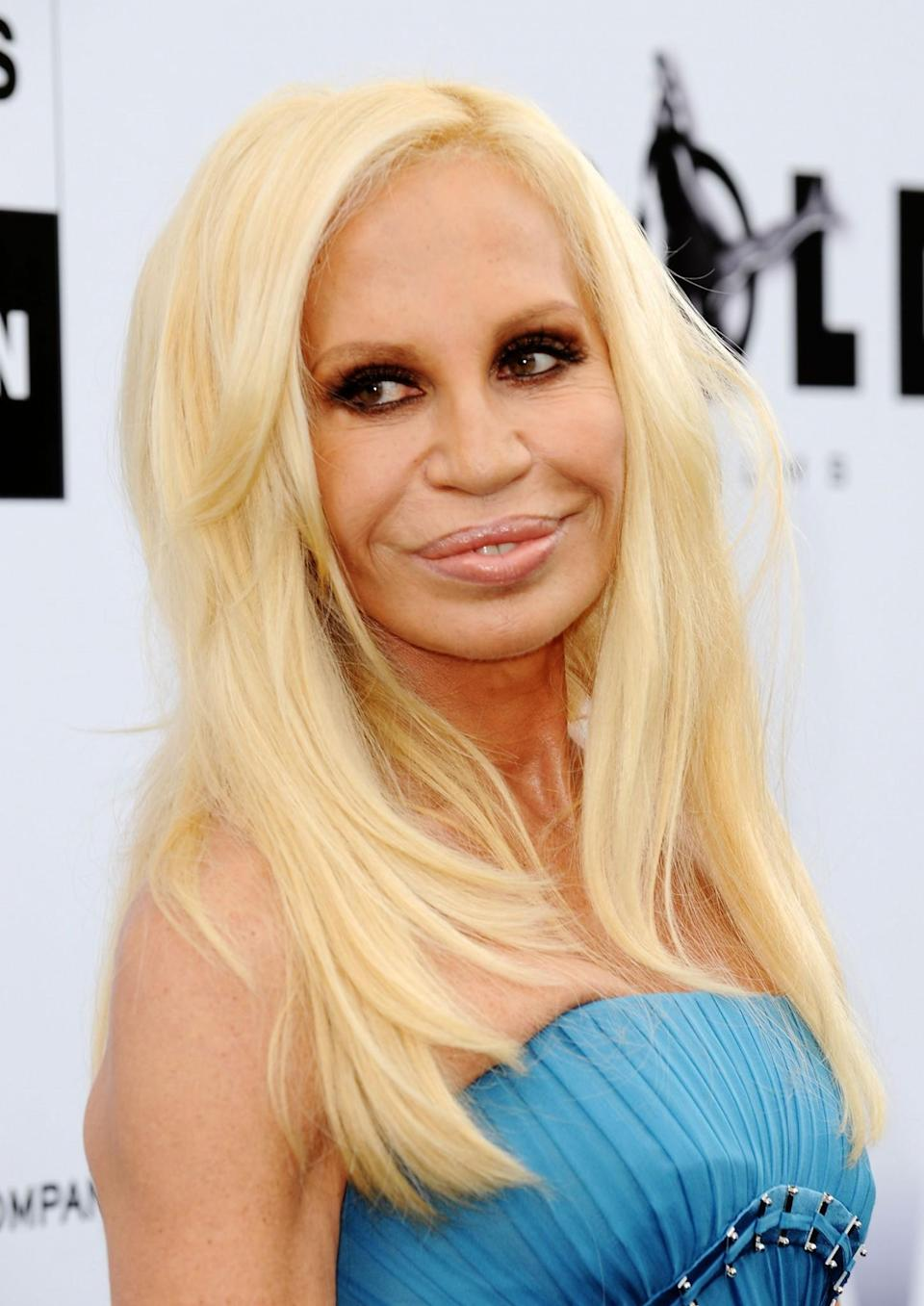 <p>By 2009, Donatella's face shape had changed dramatically even though she appeared to have been reducing the amount of treatments. <i>[Photo: Getty]</i> </p>