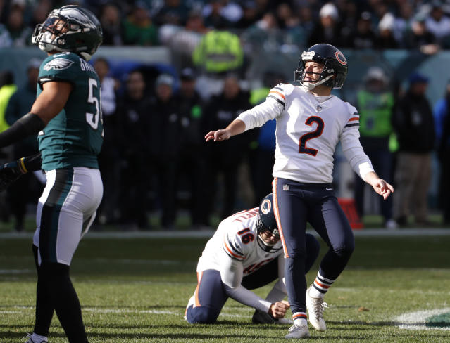 FILE - In this Nov. 26, 2017, file photo, Chicago Bears' Cairo Santos (2) watches his missed field goal during the first half of the team's NFL football game against the Philadelphia Eagles in Philadelphia. The New York Jets have filled two holes on their roster by signing running back Isaiah Crowell and kicker Santos. (AP Photo/Chris Szagola, File)