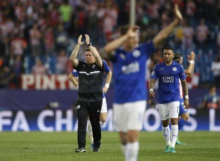 Football Soccer - Atletico Madrid v Leicester City - UEFA Champions League Quarter Final First Leg - Vicente Calderon Stadium, Madrid, Spain - 12/4/17 Leicester City manager Craig Shakespeare applauds fans after the game Action Images via Reuters / Carl Recine Livepic