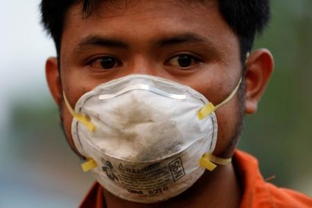 The Wider Image: Indonesia's firefighters on frontline of Borneo's forest blazes