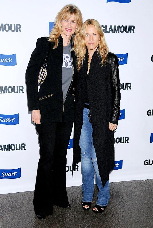 "Courteney and Jen weren't the only besties in attendance, as Laura Dern and Sheryl Crow strolled in together. Gregg DeGuire/<a href=""http://www.wireimage.com"" target=""new"">WireImage.com</a> - October 14, 2008"