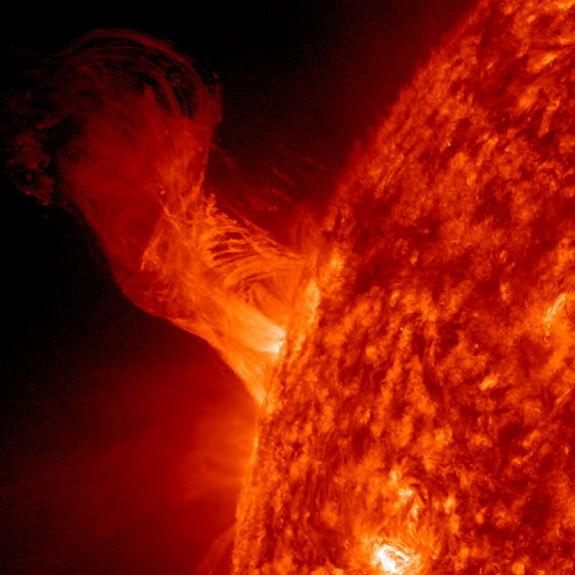 Giant Sun Eruption Could Swallow 20 Earths