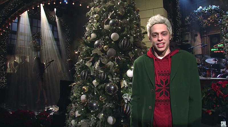 Pete Davidson Appears Briefly On 'SNL' After Troubling Instagram Post
