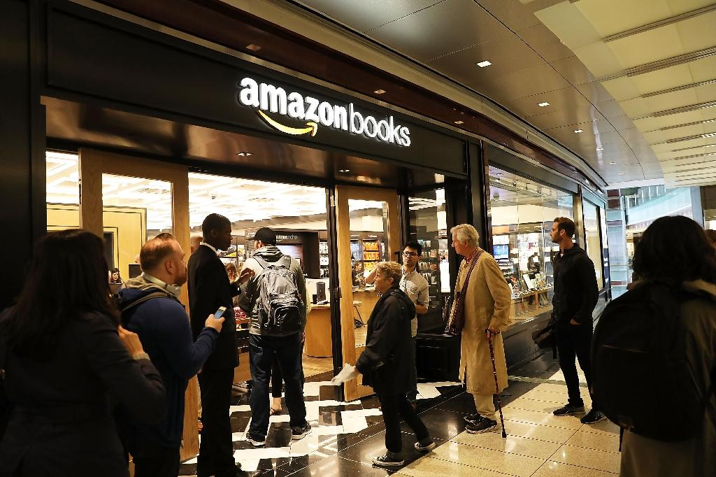 Amazon has become one of the world's biggest companies with a large online presence and a growing number of physical stores, such as this New York bookstore (AFP Photo/SPENCER PLATT)