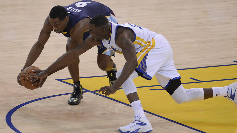 Tony Allen and Draymond Green battle for the ball during the 2015 Western Conference semi-finals. (Jose Carlos Fajardo/Bay Area News Group) (Photo by MediaNews Group/Bay Area News via Getty Images)