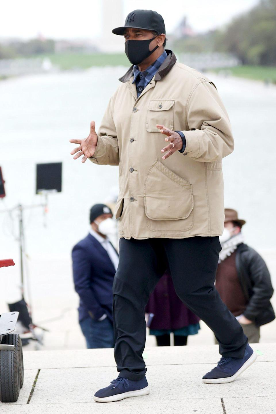 <p>Denzel Washington is seen directing his upcoming film<em> A</em> <em>Journal for Jordan</em> at the Lincoln Memorial in Washington D.C. on Thursday.</p>