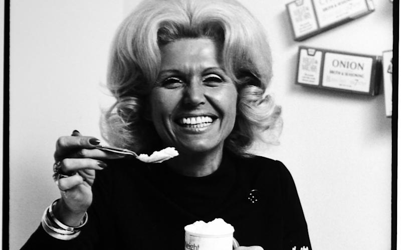 Jean Nidetch's first Weight Watchers meeting in 1963 had 50 chairs – 400 people came - Martha Holmes