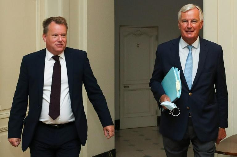 Britain's chief negotiator David Frost (L) and EU's Brexit negotiator Michel Barnier met last week to prepare the round of talks