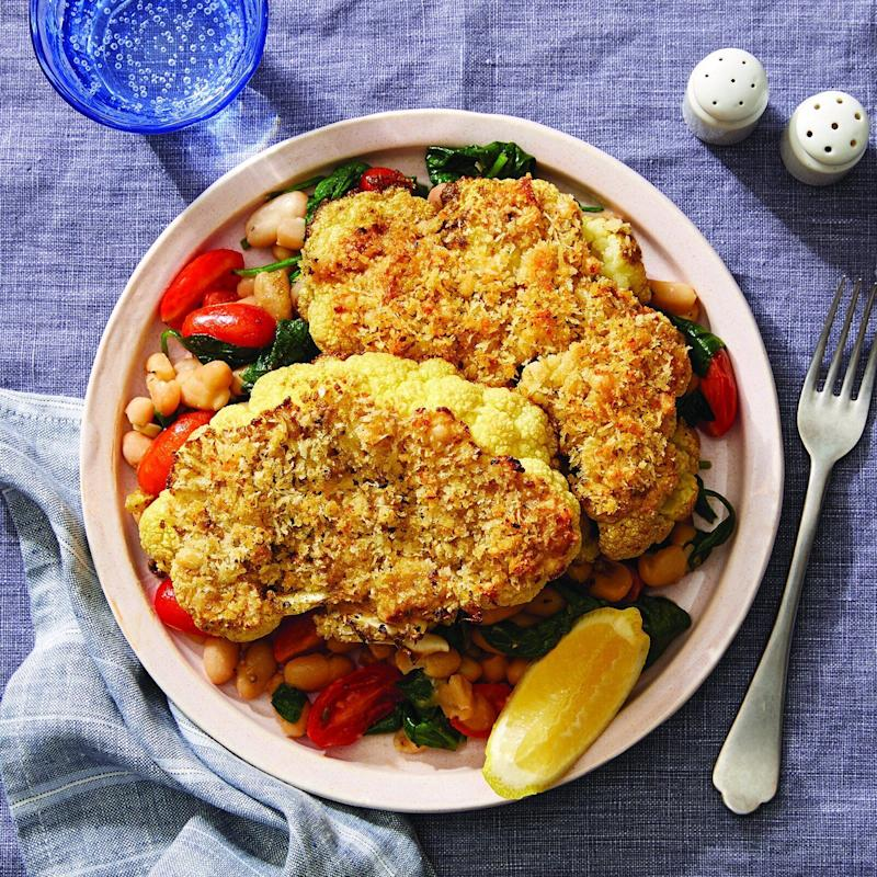 "One of Blue Apron's new WW-approved recipes for 2020 includes this&nbsp;<a href=""More enjoying food with family and friends, less counting of points behind the scenes, please."" target=""_blank"" rel=""noopener noreferrer"">parmesan-crusted cauliflower steaks with white bean saut&eacute; and lemon</a>, which also happens to have &ldquo;Plant Forward&rdquo; and &ldquo;Carb Conscious&rdquo; labels, too.&nbsp; (Photo: Blue Apron)"