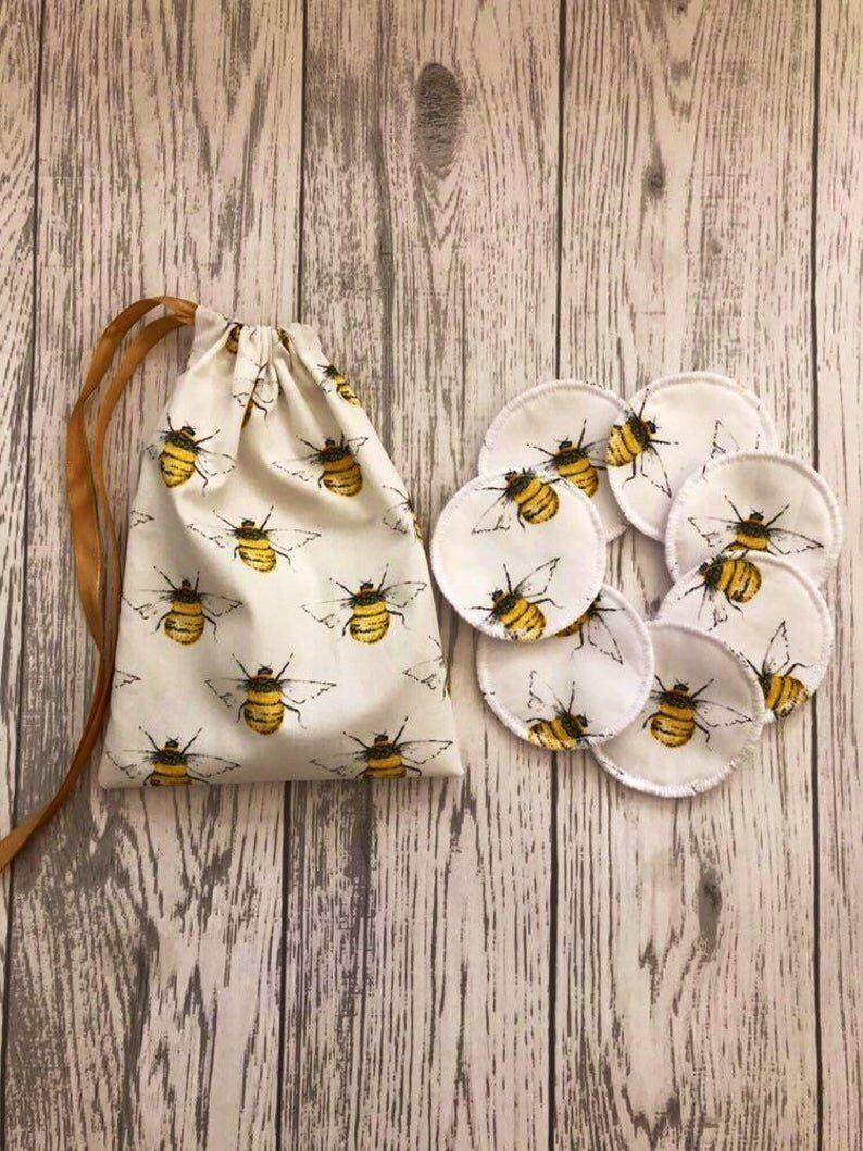 """<a href=""""https://fave.co/2sHOWQ5"""" target=""""_blank"""" rel=""""noopener noreferrer"""">Reusable Face Pads with Wash Bag, Etsy</a>, from &pound;8.95 (Photo: Etsy)"""