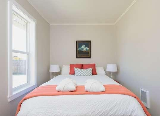 The only 7 colors you should use in a small space - Small spaces george paint ...