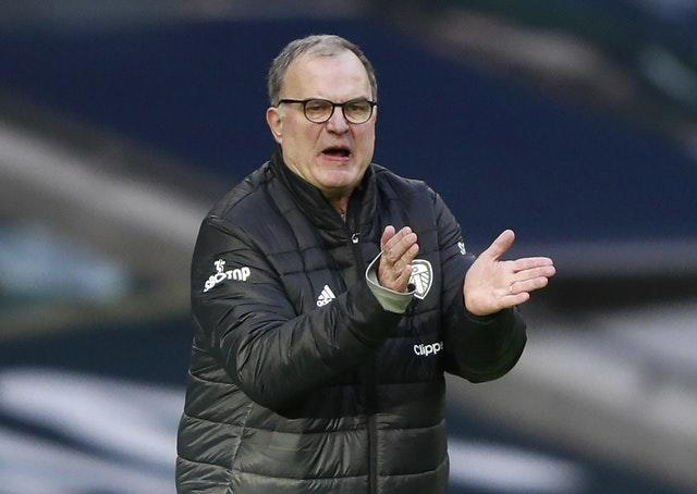 Leeds manager Marcelo Bielsa tries to encourage his side
