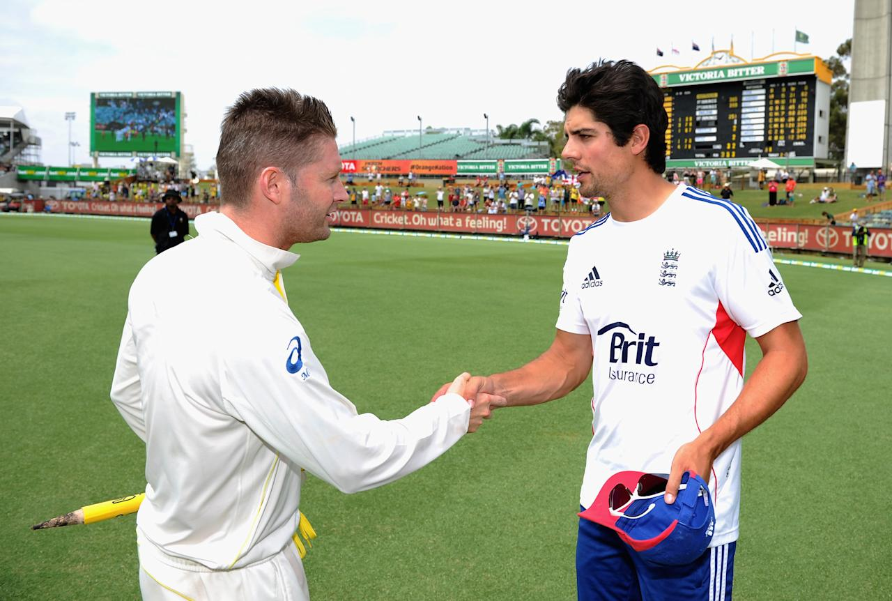 PERTH, AUSTRALIA - DECEMBER 17:  Australia captain Michael Clarke shakes hands with England captain Alastair Cook after day five of the Third Ashes Test Match between Australia and England at WACA on December 17, 2013 in Perth, Australia.  (Photo by Gareth Copley/Getty Images)