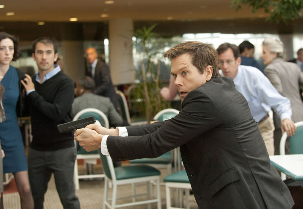 "Ryan Hardy (Kevin Bacon) looks for the followers in the ""Let Me Go"" episode of ""The Following."""