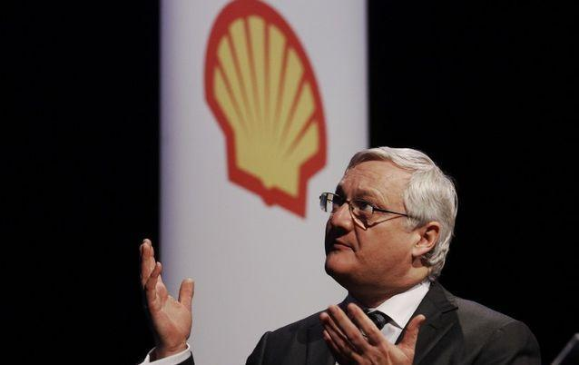 EARLY DEPARTURE: Royal Dutch Shell CEO Peter Voser, seen here in a file photo, is to retire in 2014. Picture: REUTERS