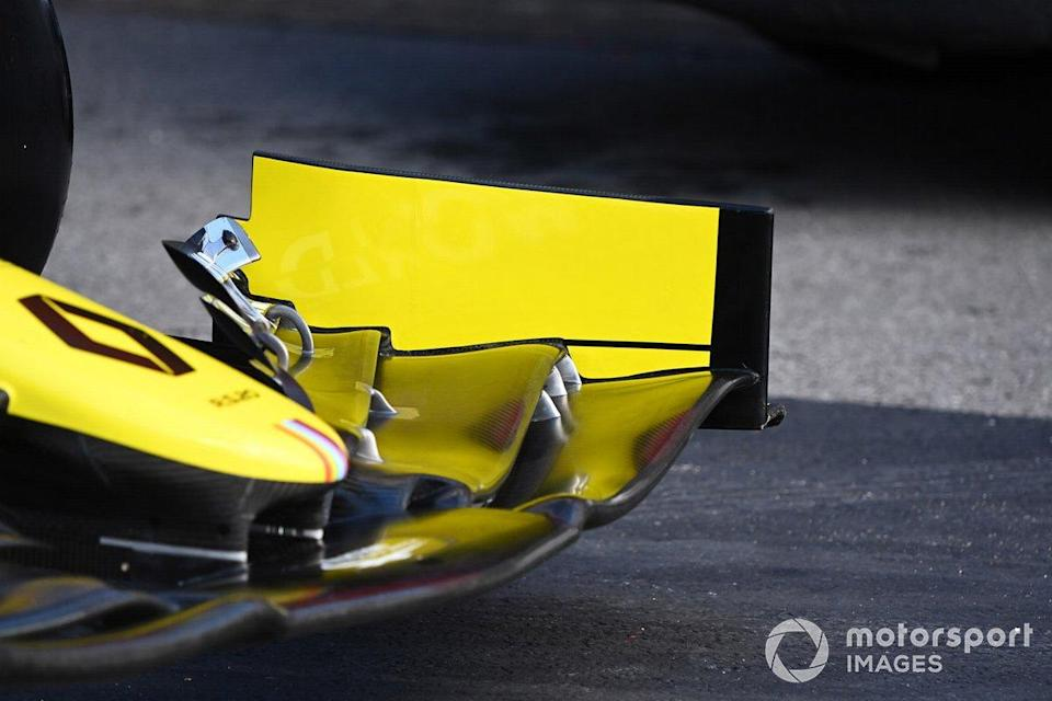 "Renault R.S.20: Frontflügel<span class=""copyright"">Mark Sutton / Motorsport Images</span>"