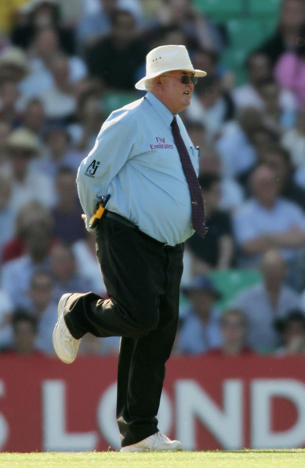 LONDON - JULY 12:  Umpire, David Shepherd looks on with one leg in the air as Australia reach 222 runs during his final international match at the NatWest Challenge Final between England and Australia at The Oval on July 12, 2005 in London, United Kingdom.  (Photo by Tom Shaw/Getty Images)