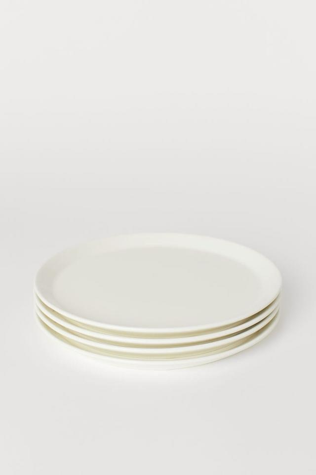 """<p>Looking for something simple and chic? Get this four pack of <a href=""""https://www.popsugar.com/buy/HampM-Ceramic-Plates-483497?p_name=H%26amp%3BM%20Ceramic%20Plates&retailer=www2.hm.com&pid=483497&price=15&evar1=casa%3Aus&evar9=46528347&evar98=https%3A%2F%2Fwww.popsugar.com%2Fhome%2Fphoto-gallery%2F46528347%2Fimage%2F46532329%2FHM-4-pack-Ceramic-Plates&list1=shopping%2Ckitchens%2Ckitchen%20accessories%2Chome%20shopping&prop13=mobile&pdata=1"""" rel=""""nofollow"""" data-shoppable-link=""""1"""" target=""""_blank"""" class=""""ga-track"""" data-ga-category=""""Related"""" data-ga-label=""""https://www2.hm.com/en_us/productpage.0731376002.html"""" data-ga-action=""""In-Line Links"""">H&amp;M Ceramic Plates</a> ($15).</p>"""