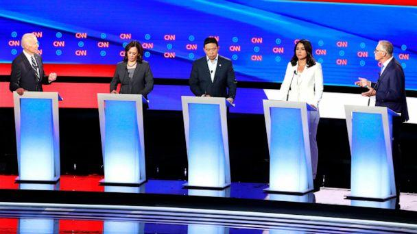 PHOTO:Governor Jay Inslee confronts former Vice President Joe Biden past Sen. Kamala Harris, entrepreneur Andrew Yang (C) and Rep. Tulsi Gabbard on the second night of the second 2020 Democratic presidential debate in Detroit, July 31, 2019. (Lucas Jackson/Reuters)