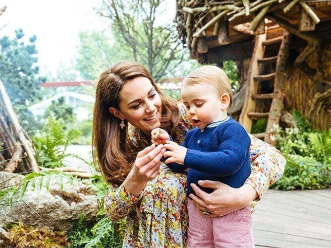 Kate Middleton and Prince Louis photo