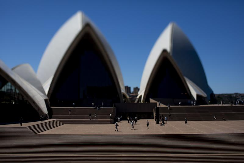 S&P Warns Australia Fiscal Stimulus Could Put AAA Rating at Risk