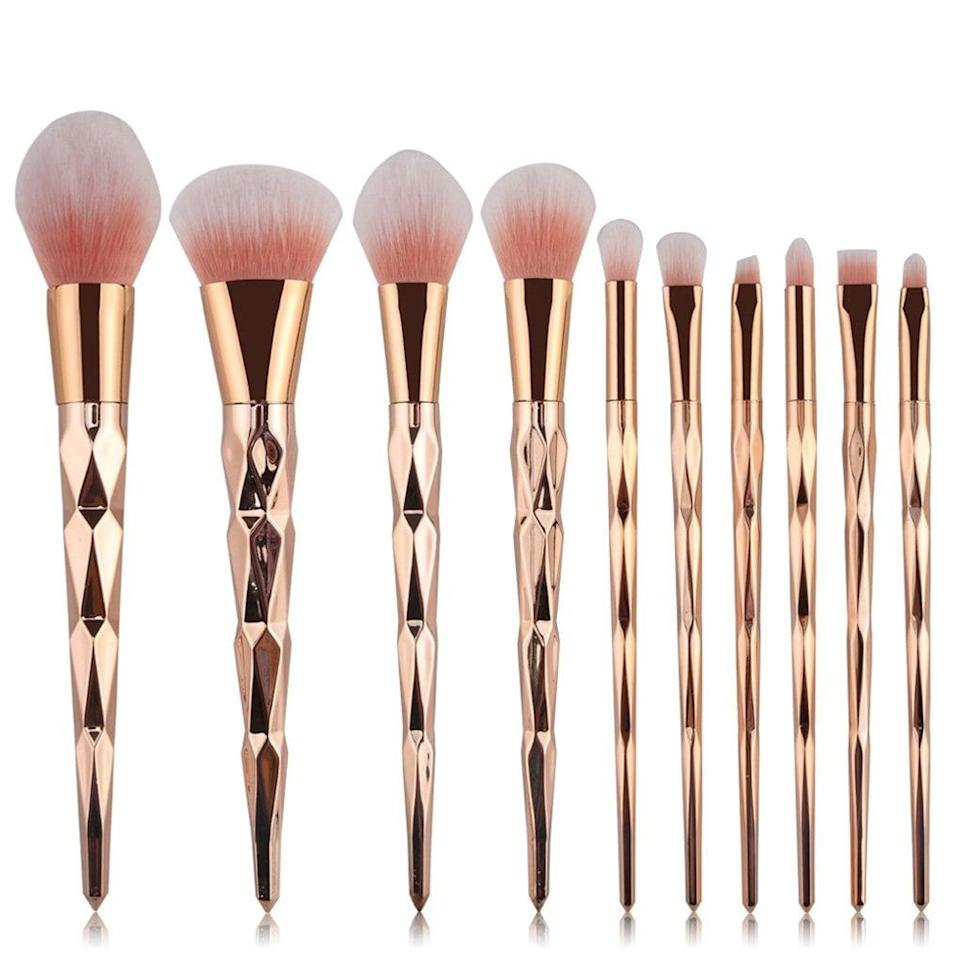 <p>You can't go wrong with these gorgeous <span>Tenmon 10 Pcs Rose Gold Makeup Brush Set</span> ($10).</p>