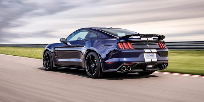 Ford Mustang Shelby GT350 (2)
