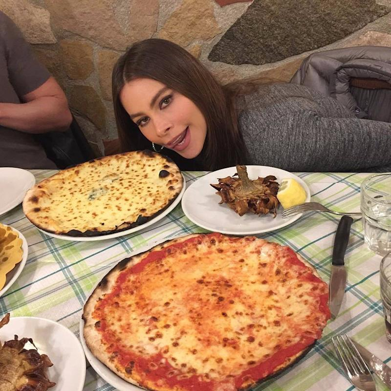 In the Glorious Presence of Pizza, Sofia Vergara Becomes All of Us