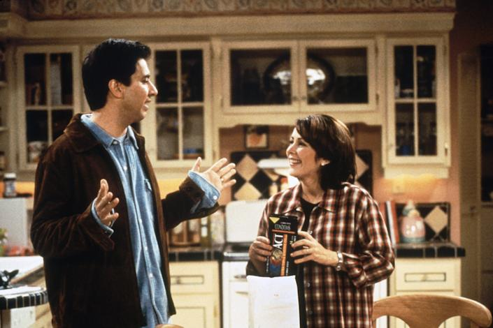 Ray Romano and Patricia Heaton in a Season 3 episode of Everybody Loves Raymond, which celebrates its 25th anniversary this year. (Photo: CBS / Courtesy: Everett Collection)
