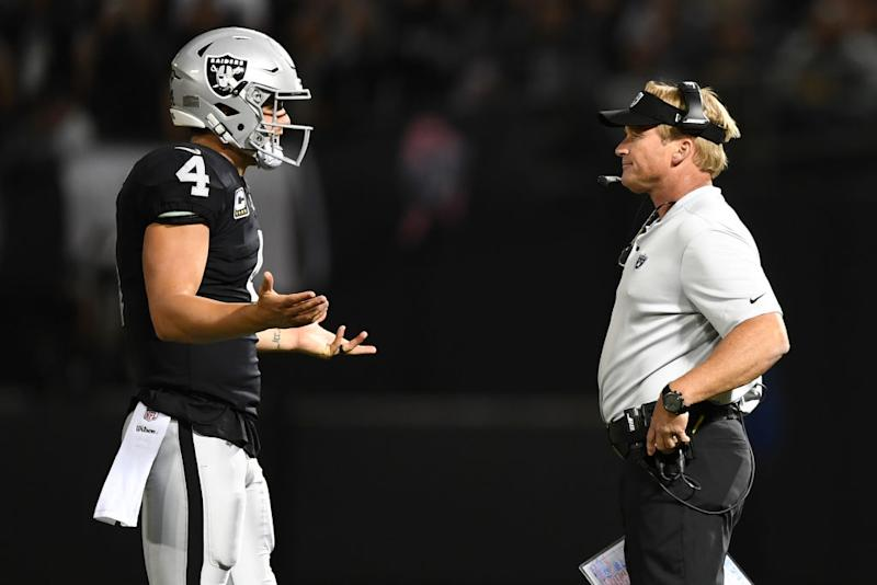Derek Carr, Jon Gruden argue on Raiders sideline